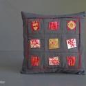 WINDOWS - patchwork párna, Dekoráció, Otthon, lakberendezés, Lakástextil, Párna, Imádom a táskák maradék anyagait rakosgatni, színben,minták szerint csoportosítani. Ezekből készülte..., Meska