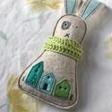 MISI gyapjúnemez maroknyúl, Játék, Játékfigura, Gyapjúfilcből ( 60 % gyapjú + 40 % viszkóz ) egyedi kézzel varrt rémült nyuszi, aki szerető, ölelő b..., Meska