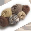 Barna bross, Ékszer, Bross, kitűző, Újrahasznosított pólóanyagból készült.2,5x7 cm. A rózsák átmérője 0,6 és 2 cm közötti..., Meska