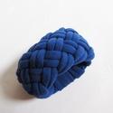 Kék textil karkötő, Ékszer, Karkötő, Újrahasznosított póló anyagból készült, 4,5 cm szélességű, rugalmas textil karkötő., Meska