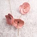 Light rose bouquet - bőr nyaklánc - leather necklace, Ékszer, óra, Nyaklánc, Bőr és nikkelmentes lánc kombinációja. Pihepuha bőr visszafogott, vékony, elegáns lánccal. ..., Meska