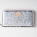UTOLSÓ DARAB Silver shines - valódi bőr tárca, Táska, Pénztárca, tok, tárca, Mobiltok, Pénztárca, Design:   Klasszikus fazonban is elérhető a tárcám vagány ezüst színben, rózsaszín cipzárr..., Meska