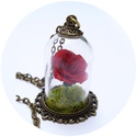Rózsa a bura alatt  , Különleges és egyedi vintage stílusú medál. ...