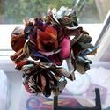 Képregény csokor - színes, Dekoráció, Csokor, Papírművészet, Színes képregénylapokból készült papírrózsa csokor. 20 cm magas. A minicsokorban 5 db virág találha..., Meska