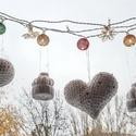 Karácsonyfa dísz, fehér, flitteres - 6 darabos , Dekoráció, Ünnepi dekoráció, Karácsonyi, adventi apróságok, Karácsonyfadísz, Horgolás, Hófehér karácsonyfadísz készlet, csillogó ezüst flitterekkel és vékony ezüst akasztóval.  A csomag ..., Meska