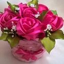 Rózsakosár, Mindenmás, Anyák napja, Kézzel varrt szaténrózsákkal díszített bambuszkosár. A rózsa leveleit is saját kezűleg készítettem, ..., Meska