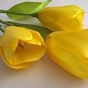 Szatén örök tulipán, Otthon, lakberendezés, Dekoráció, Csokor, Szaténszalagból készítek tulipánt, amit igyekeztem, hogy teljesen élethű legyen. Örök emlék Édesanyá..., Meska