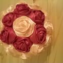 Ballagási csuklóra akasztható rózsa gömb, Dekoráció, Ballagási csuklóra akasztható rózsa gömb barack és bordó színű, kézzel varrott szatén ró..., Meska