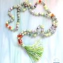 PEACE OF MIND 108 szemes csomózott zöld jáde,aventurin és narancs achat  Mala nyaklánc , Ékszer, Ruha, divat, cipő, Nyaklánc, Ékszerkészítés, Gyöngyfűzés, Egyedi stilusú ,lime és kiwi zöld jáde, aventurin , narancs achat és zöld szezám jáspis ásványgyöng..., Meska