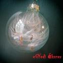 Pihés karácsonyfadísz, Otthon, lakberendezés, Mindenmás, 6 cm átmérőjű üveggömb csillogó pihékkel. Egyedi, különleges dísze lehet a Karácsonyfán..., Meska