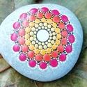 Mandalakő - Festett kő - Ajándék nőknek, férfiaknak, Kézzel festett mandalakő, 5 cm átmérőjű.  Eg...