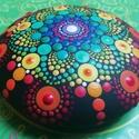 Csakrakő - Festett mandala - Ajándék nőknek, férfiaknak - Painted mandala  - Festett mandala kő, Pontozó technikával, kézzel festett, a hét csa...