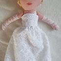 Emma öltöztető baba, Gyereknap, Játék, Baba, babaház, Varrás, Hímzés, Olyan egyedi babákat készítek, amik saját névvel és egyéniséggel rendelkeznek. Ő Emma menyasszony b..., Meska