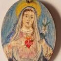Szűz Mária kulcstartó, Ékszer, Képzőművészet, Mindenmás, Vallási tárgyak, Festett tárgyak, Festészet, Szűz Máriát ábrázoló fa kulcstartó.  Kivitelezésben két fajta  anyaggal festhetem, ahogy a megrende..., Meska