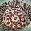 Janka3, Konyhafelszerelés, Otthon, lakberendezés, Tárolóeszköz, Kosár, Fonás (csuhé, gyékény, stb.), Papírművészet, A kosár mérete: alsó 20 cm, felső 27 cm, magasság 13 cm. Mivel egyedi kézzel készült kézműves termé..., Meska