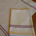 Konyharuha, Otthon, lakberendezés, Lakástextil, Nyers alapon,két szélén bordó mintás konyharuha. Anyaga:Pamut Mérete:40x55cm, Meska