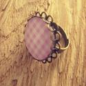 Vidám pasztell gyűrű, Ékszer, Gyűrű, A képen látható gyűrű lencseátmérője 20 mm, az alap antikolt bronz darab. A gyűrű mérete ..., Meska