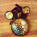 Őszi színkavalkád, Ékszer, Fülbevaló, Medál, Eladó a képen látható szett, amely egy medálból és egy pár francia kapcsos bronz színű fülbevalóból ..., Meska