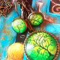 Zöld életfás szett bronzba öltözve, Ékszer, Medál, Ékszerszett, Fülbevaló, A képen látható medál lencseátmérője 25 mm, az alap antikolt bronz színű darab.  A medál hátulján is..., Meska