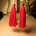 Piros rojtos fülbevaló, Ékszer, Fülbevaló, Ékszerkészítés, Piros fonalból és arany kiegészítőkkel készült ez a fülbevaló. Hossza:10 cm. Piros-szenvedély,tűz,e..., Meska