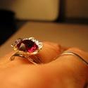 Gyűrű, Ékszer, Gyűrű, Ékszerkészítés, Rubint színű swarovszki kővel díszítettem ezt a virág alakú gyűrű alapot.Ezüst színű.Állítható. Pir..., Meska
