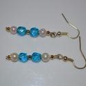 Kék egyszerűség, Ékszer, óra, Fülbevaló, Ezt a fülbevalót kék kristály, fém és műanyag gyöngy felhasználásával szerelőpálcára f..., Meska