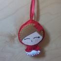 Piroska kulcstartó, Dekoráció, Baba-mama-gyerek, Gyereknap, Dísz, Kézzel készített Piroska kulcstartó filcből! Körülbelül 10 cm magas akasztó nélkül. , Meska