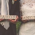 Esküvői dekoráció nevek fakockára festve , Esküvő, Otthon & lakás, Esküvői dekoráció, Nászajándék, Asztaldísz, Lakberendezés, Rendelhető 4,5 X 4,5 cm-es fa kockára egyedi, saját névre, becenévre szóló, kézzel festett betűk!  A..., Meska