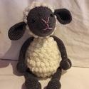 Horgolt bárány, barika, Játék, Játékfigura, Plüssállat, rongyjáték, Horgolt bárány, nem csak feketebárányoknak :)  Bármilyen színben kérhető  mérete kb 45 cm, Meska