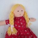 Baba pirosban, Baba-mama-gyerek, Játék, Baba, babaház, Plüssállat, rongyjáték, Szőke hajú, copfos babám fenyőmintás ruhát visel, mely levehető.  Harisnyája piros pöttyös, fixre va..., Meska