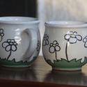 Virágos bögre párban, Konyhafelszerelés, Bögre, csésze, Egyszerű,de nagyszerű mintával ellátott vidám bögrék., Meska