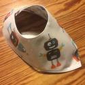 Robotos-csillagos nyálkendő , Baba-mama-gyerek, Baba-mama kellék, Varrás, 29x24cm  100% pamut anyagból készült, 40 fokon mosható, vasalható kendő. Az egyik oldalán robotok v..., Meska