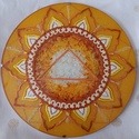 Napfonat Csakra Mandala, Otthon & Lakás, Mandala, Dekoráció, Üvegművészet, Festészet, Napfonat csakra mandala, amely a magabiztosság, önbizalom, bátorság, erő, céltudatosság elérésében ..., Meska