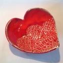 Szív tálka , Piros mázzal bevont , szív alakú kerámia tálk...