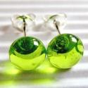 Áttetsző zöld  pötty üveg fülbevaló, üvegékszer, Ékszer, óra, Fülbevaló, Ékszerkészítés, Üvegművészet, Moretti üvegrúdból olvasztott, áttetsző, halvány almazöld színű pötty fülbevalócska. Nikkelmentes b..., Meska