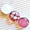 """Fehér-máyva gyöngysor üveg medál, üvegékszer, Ékszer, óra, Ékszerszett, Nyaklánc, Medál, Ékszerkészítés, Üvegművészet, Fehér, mályva és áttetsző ékszerüvegekből olvasztottam a  """"gyöngyöket"""", a középsőt millefiori virág..., Meska"""