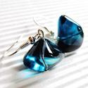 Óceánmély gyöngy fülbevaló, üveggyöngy, Ékszer, Ékszerszett, Fülbevaló, Érdekes, amorf formájú, nagy, mutatós, sötét tengerkék üveggyöngyökből készítettem ezt ..., Meska