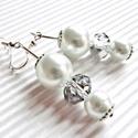Ezeregyéjszaka gyöngy fülbevaló, üveggyöngy, Ékszer, Esküvő, Fülbevaló, Esküvői ékszer, Ékszerkészítés, Gyöngyfűzés, Gyöngyház fényű fehér és csiszolt, ezüsttel árnyalt  üveggyöngyökből és ezüst színű ékszerdíszekből..., Meska