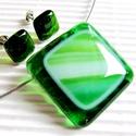 Zöld hullám üveg medál és fülbevaló, üvegékszer szett, Ékszer, óra, Ékszerszett, Medál, Nyaklánc, Ékszerkészítés, Üvegművészet, Áttetsző mohazöld és mohazöld-fehér-türkiz hullámokkal díszített üvegekből készült a medál, áttetsz..., Meska