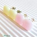 Tearózsa üveg kocka fülbevalók, üvegékszer szett, Ékszer, Esküvő, Fülbevaló, Esküvői ékszer, Púder rózsaszín és vanília színű, bedugós, könnyű kocka fülbevalók párban. Finom, nőie..., Meska