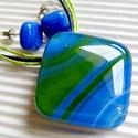 Kéknefelejcs üveg medál és fülbevaló, üvegékszer szett, Ékszer, óra, Ékszerszett, Medál, Nyaklánc, Ékszerkészítés, Üvegművészet, Nefelejcs kék - zöld - fehér rajzolatú ékszerüvegből olvasztottam ezeket az ékszereket. Minimal for..., Meska