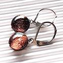 Orvosi fém alapon Bronz francia kapcsos dichroic fülbevaló, üvegékszer , Sötét rózsaszínes bronz fények villódznak eb...