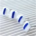 Kéktúra üveg fülbevalók szettben, ORVOSI FÉM, üvegékszer, Irizáló fehér fénnyel tündöklő alapon kék ...