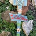 Köszöntő kerti tábla, Dekoráció, Otthon, lakberendezés, Dísz, Kerti dísz, 70 cm hosszú és a legszélesebb része 20 cm. Alapozás után kék dekor festékkel festettem és cappuccin..., Meska