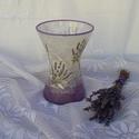 szépen ívelt üveg váza, 19cm magas és a legszélesebb felső körív mér...