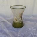 szépen ívelt üveg váza, Dekoráció, Otthon, lakberendezés, Kaspó, virágtartó, váza, korsó, cserép, 19cm magas és a legszélesebb felső körív mérete 14cm üveg váza díszítése rizspapírral, vadvirággal. ..., Meska