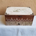 Varrós doboz, Otthon, lakberendezés, Tárolóeszköz, Igazi vintage csemege. Gyönyörű, dekupázsolt, lazúrozott varrós doboz, 30x18x14cm méretekkel. Doboz ..., Meska