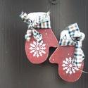 Karácsonyi kestyű dísz, Otthon, lakberendezés, Karácsonyi, adventi apróságok, Karácsonyi dekoráció, Fa karácsonyi kesztyűpár ablakba, de falra, ajtóra is akasztható. Mind a kettő oldalát visszacsiszol..., Meska