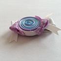 Cukorka hajcsat, Ruha, divat, cipő, Hajbavaló, Hajcsat, Mindenmás, Ékszerkészítés, Ezt az édes cukorkát szalagból (fehér, világos kék, lila) készítettem, 4,5 cm-es aligátor hajcsatra..., Meska