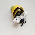 Méhecske hajcsat, Ruha, divat, cipő, Hajbavaló, Hajcsat, Mindenmás, Ékszerkészítés, Ezt az aranyos kis méhecskét szalagból készítettem, 4,5 cm-es aligátor hajcsatra helyeztem el. A ha..., Meska